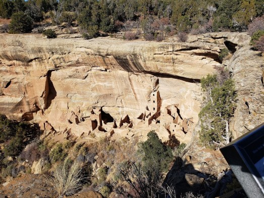 Some early indigenous Americans lived in caves