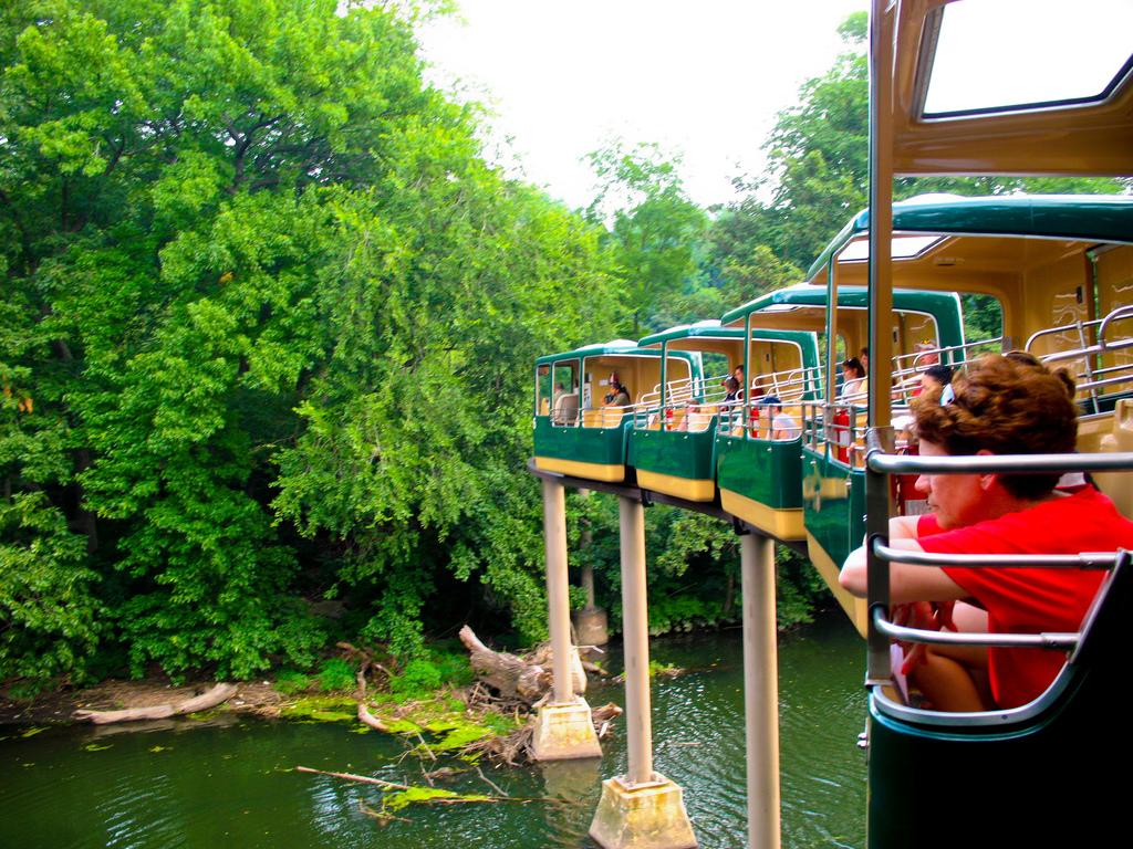 bronx-zoo--wild-asia-monorail