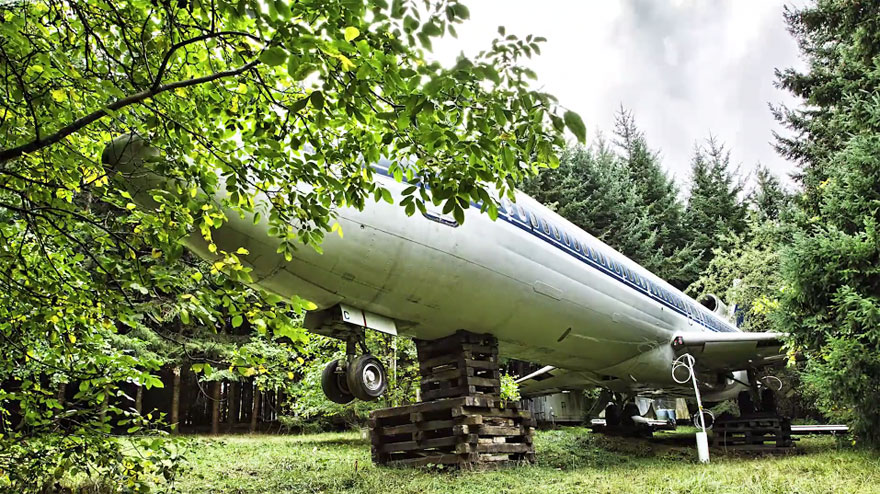 retired-boeing-727-recycled-home-bruce-campbell-8