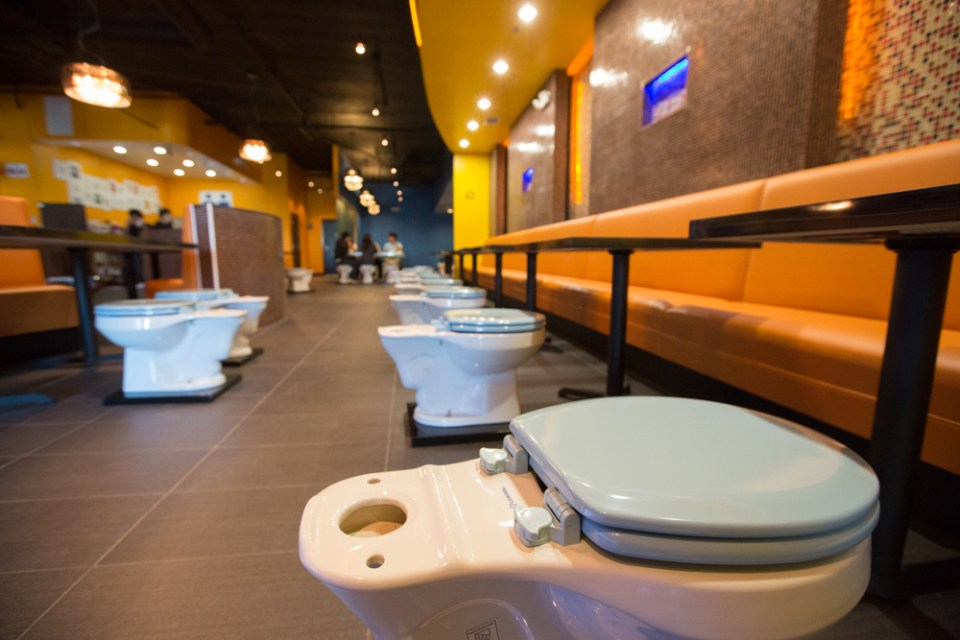 10_2013_BATHROOM_RESTAURANT-9