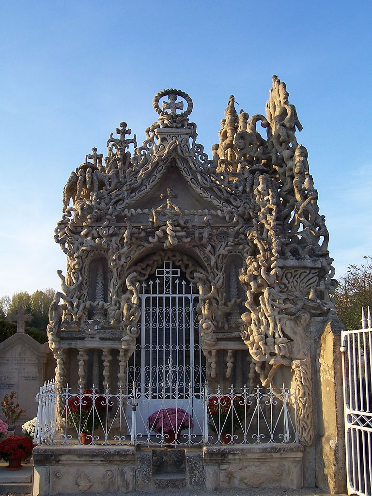 Cheval's mausoleum.