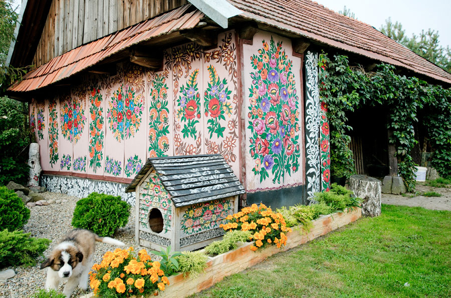 zalipie_poland_painted_village_flowers_17