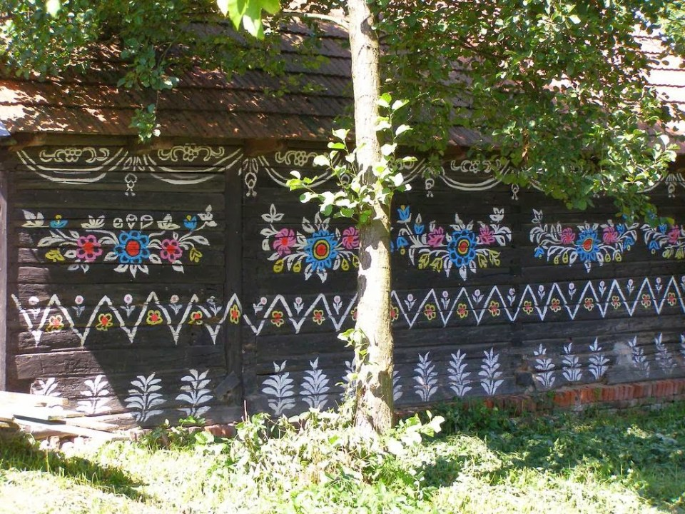 zalipie_poland_painted_village_flowers_23