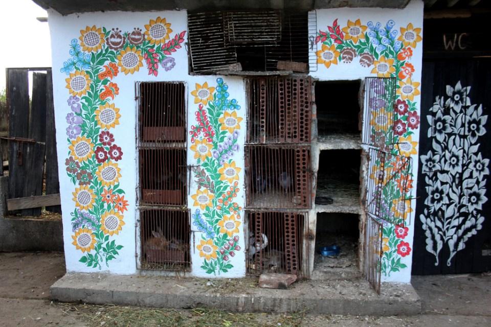 zalipie_poland_painted_village_flowers_25