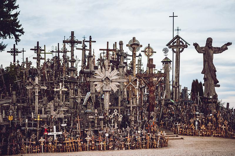 hill-of-crosses9