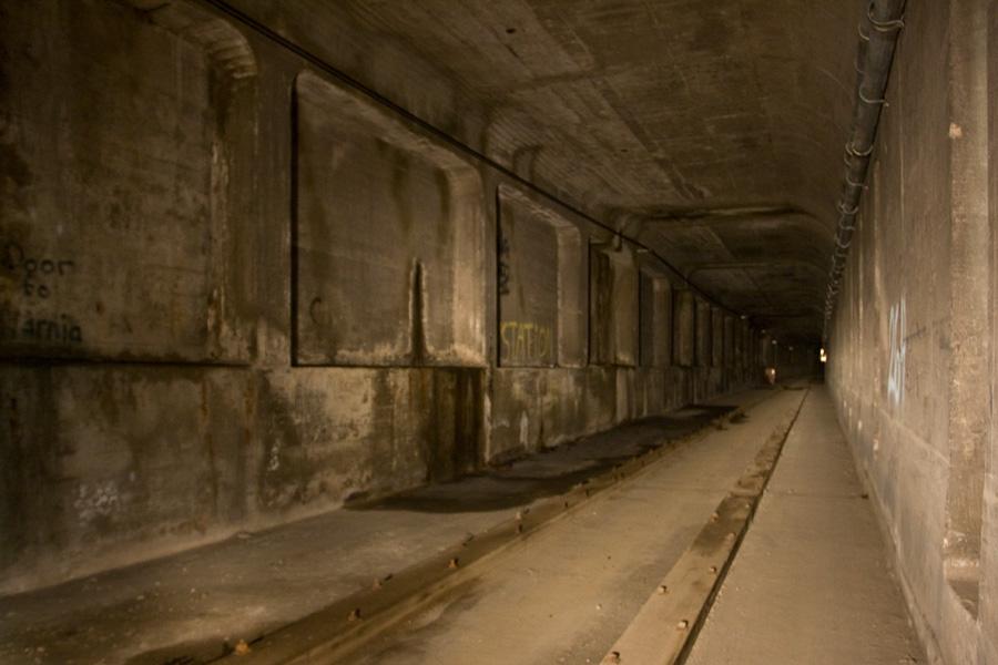 Linn Street Station is sealed off completely. Photo by Zachery Fein zfein.com