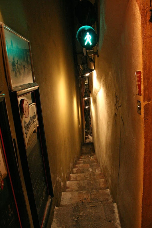 Prague's Narrowest Street With Traffic Lights - Unusual Places