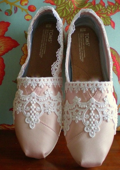 "wedding ""Toms"""