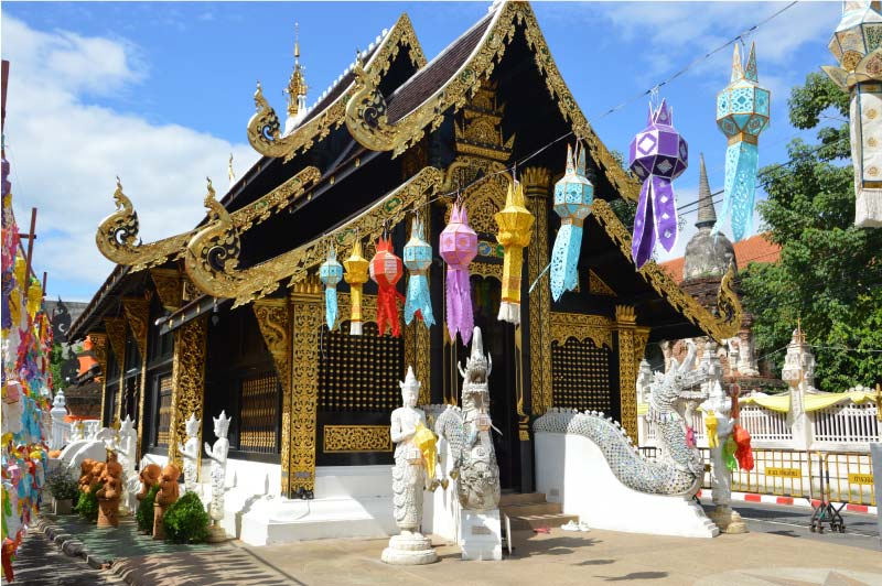 Wat Indrakin Sadue Muang, templo de Chiang Mai.