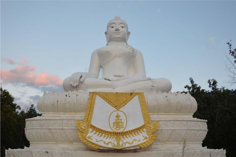 Big buda, buda blanco, Pai, Tailandia.