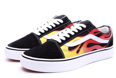 vans_ghost_rider_fire_old_skool_skateboard_shoes_black_01