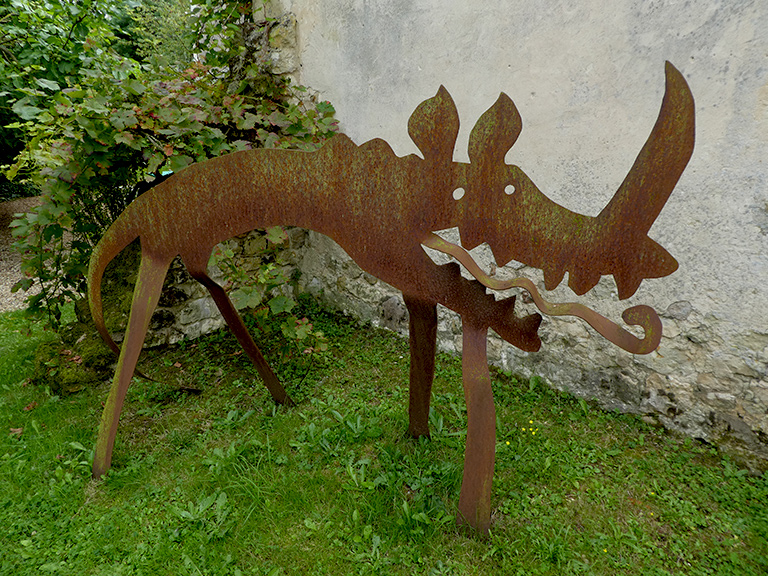 manoir-lormarin-sculpture
