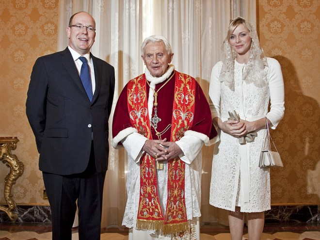 what to wear to meet the pope prince albert princess charlene