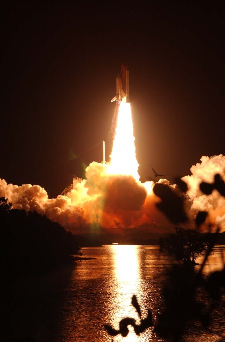 STS-116 Launch, 12/9/2006; Local ID: 255-ESD-ksc-306d-1348_0029