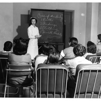 """513-AS Image is captioned: """"Inservice education for non-professional personnel, Navajo Medical Center"""""""