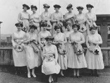 Red Cross Auxiliary. 165-WW-35-B25