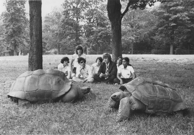 Friends of the National Zoo, Tours and Classes. Local ID: 368-RP-47-2.