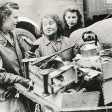 """Demolition workers of the Civilian Defense."" Date Taken: 1942 (Local ID: 171-OCD-125-C)"