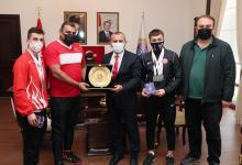 Vali Sonel, Başarılı Sporcuları Ödüllendirdi