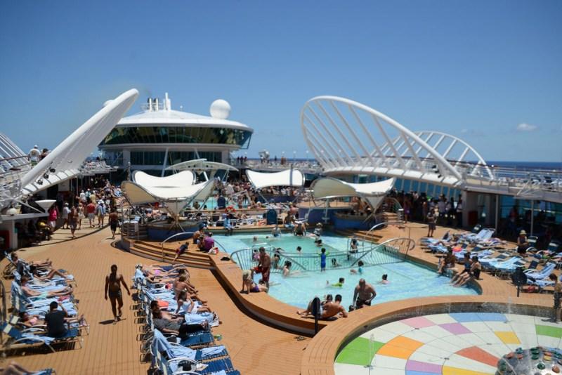 18_Royal_Caribbean_Enchantment_of_the_Seas-1