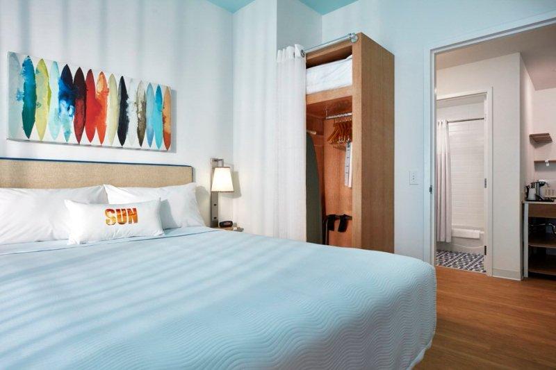 08_Surfside Inn and Suites 2 Bedroom Suites