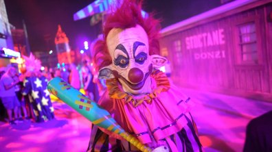 killer-klowns-3