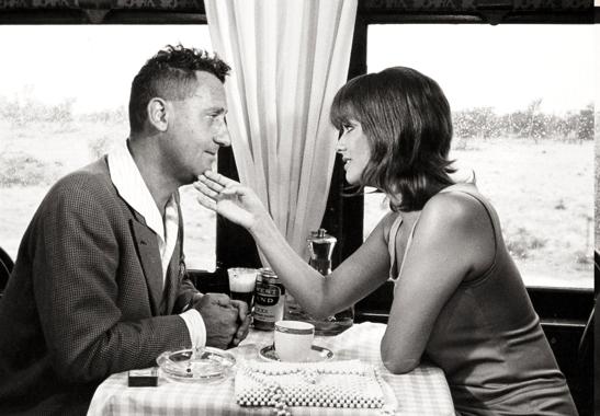 Alberto Sordi e Claudia Cardinale in Emigrato in Australia....