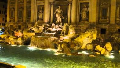 Fontana di Trevi 2013 3