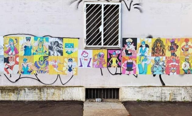 L'hashtag #drawthisinyourstyle dell'artista Rita Petruccioli ha spopolato su Instagram, permettendo di caricare disegni/opere d'arte di coloratissime combattenti messicane. E arricchendo, quindi, alcuni quartieri della Capitale.