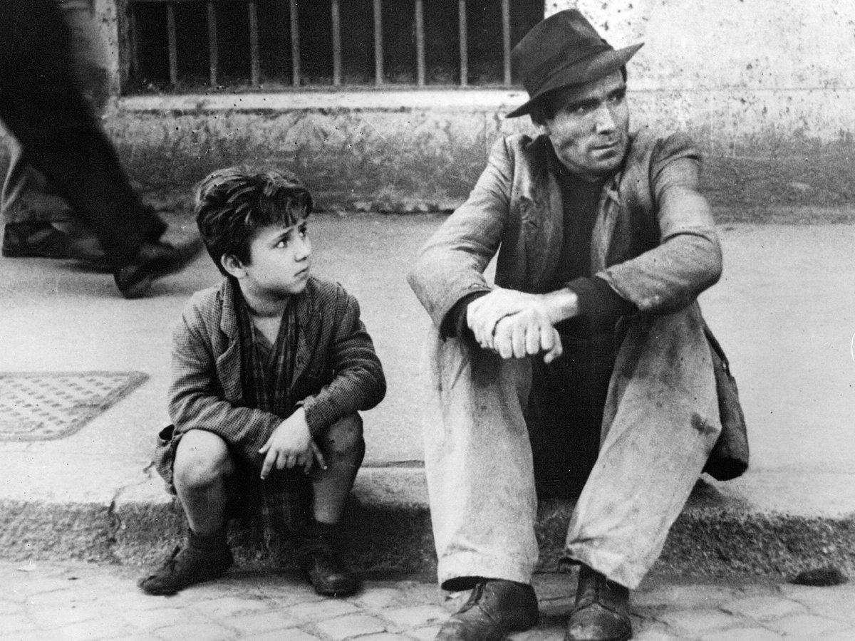 Ladri di biciclette, il cinema di Vittorio De Sica conquista il mondo