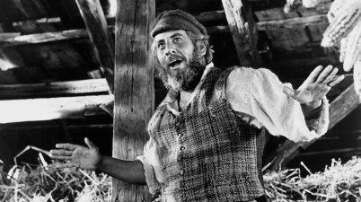 Il film del 1971: chi ricorda Il violinista sul tetto di Norman Jewison?