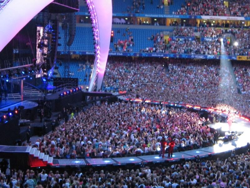Spettacolo: pubblico negli stadi? Stesse regole di calcio anche per concerti