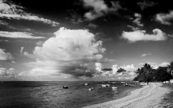 Fb Wallpaper Hd 海滩黑白照 高清壁纸 风景图片 回车桌面