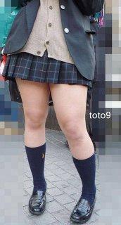 ミニスカート履いていいのは何歳まで?