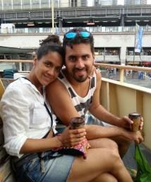 Tomando um café no ferry que vai pra Manly