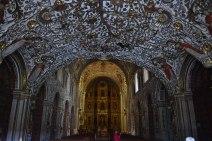 El interior Iglesia Santo Domingo está completamente bañado en oro