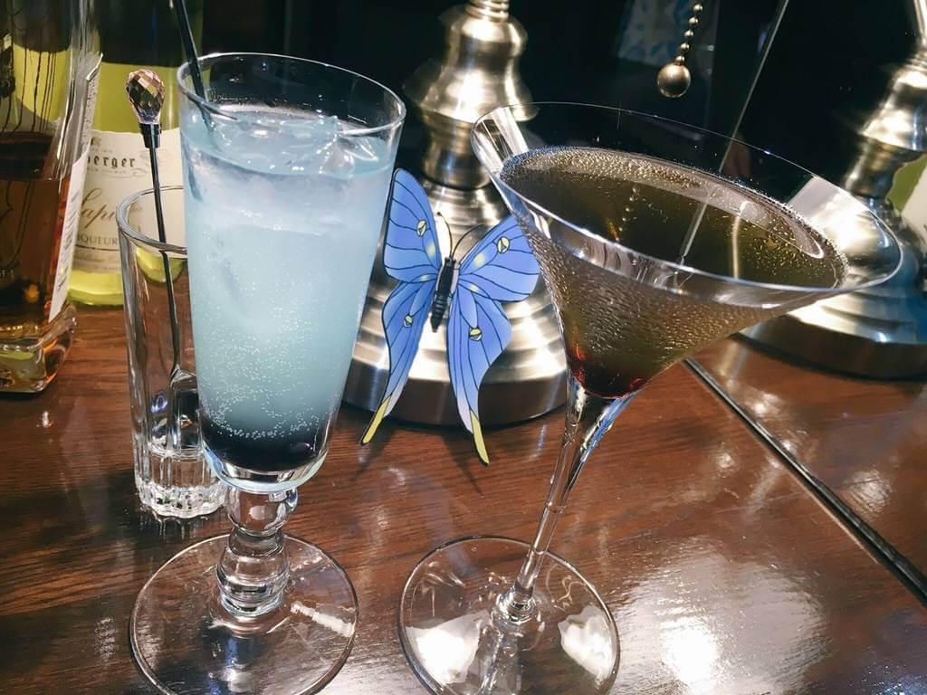 友人が注文した美風藍と熾月のカクテル