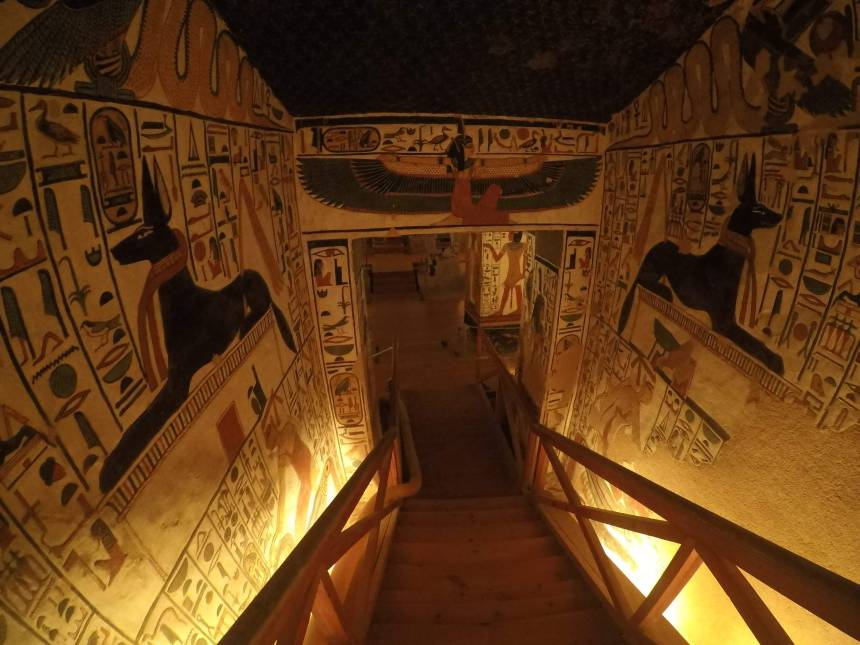 the tomb of Nefertari