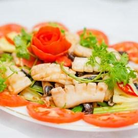 Mực xào hải sâm- đặc sản Hạ Long Quảng Ninh