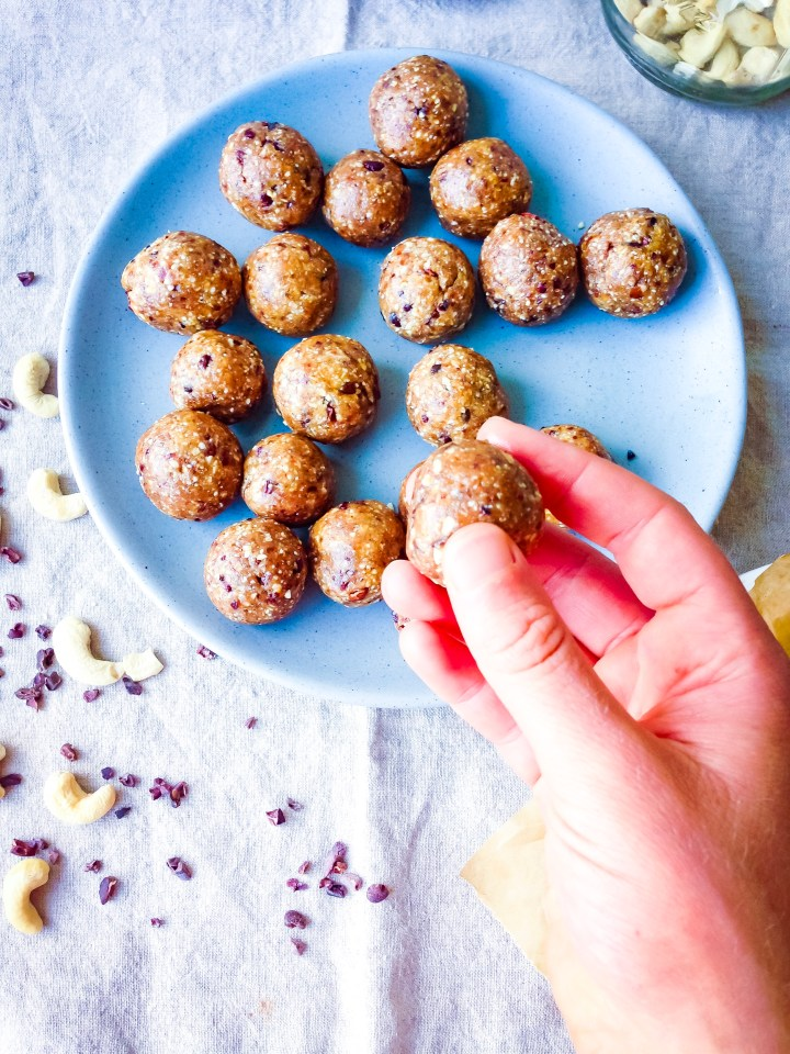 Chocolate Cashew Cookie Dough Energy Balls (Vegan, Gluten Free) // UpBeet Kitchen