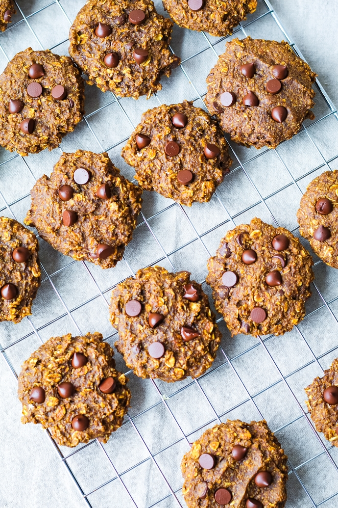 Vegan Pumpkin Spice Power Cookies w/ Chocolate // UpBeet Kitchen