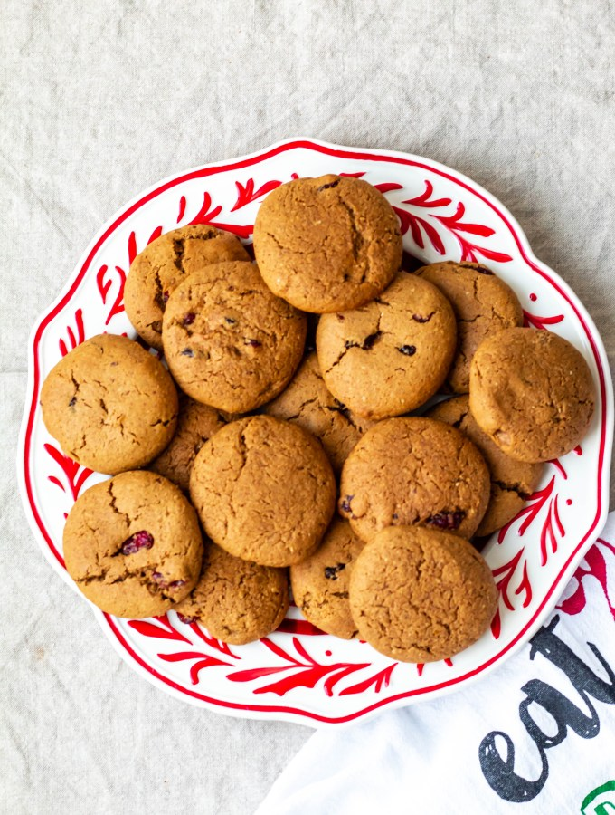 an image showing a plate of pumpkin chai cookies