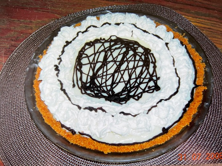 a photo of my first banana cream pie, in 2008