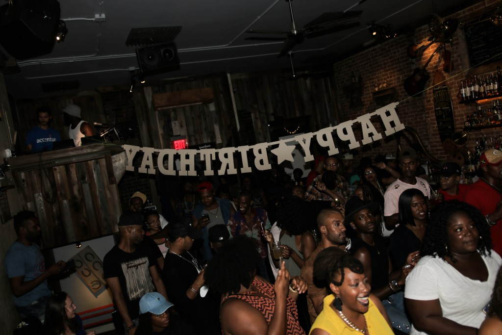 [Photos From Last Night] Acoustic Exchange at Harlem Nights 8-30-16