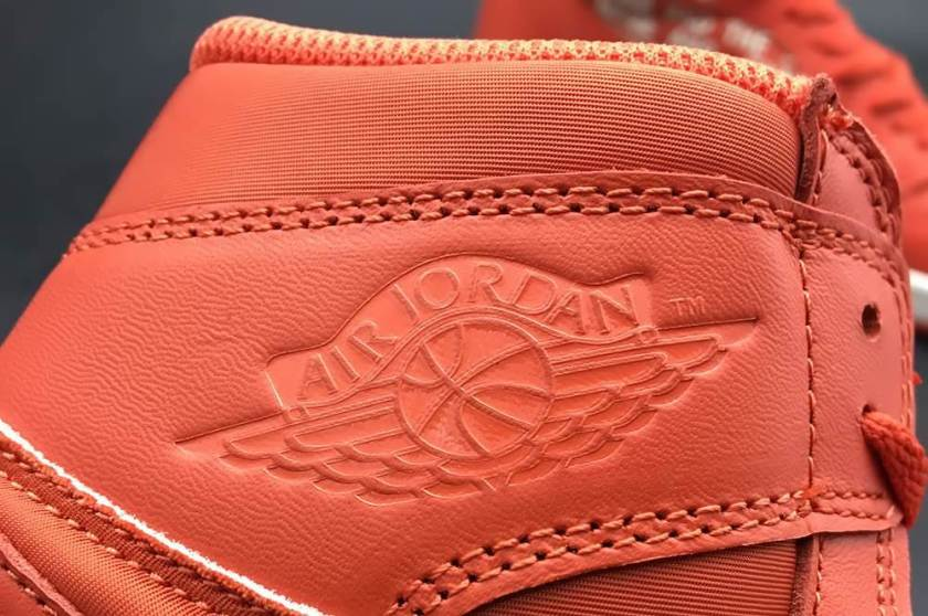 Air Jordan 1 Swoosh with good layout and shape
