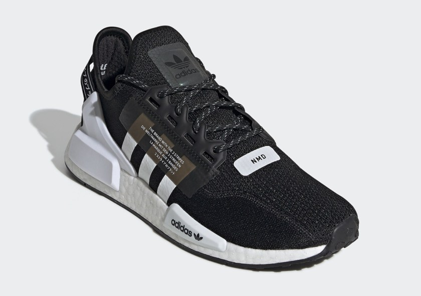Adidas sneaker with plastic materials