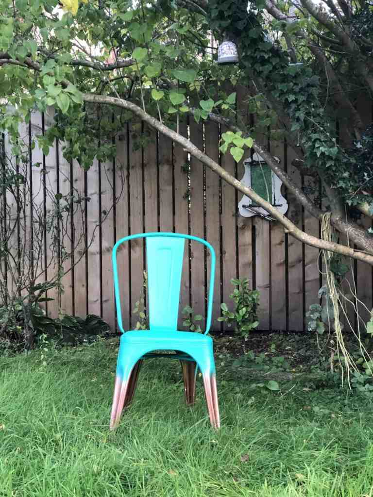 how to spray paint a metal chair tutorial