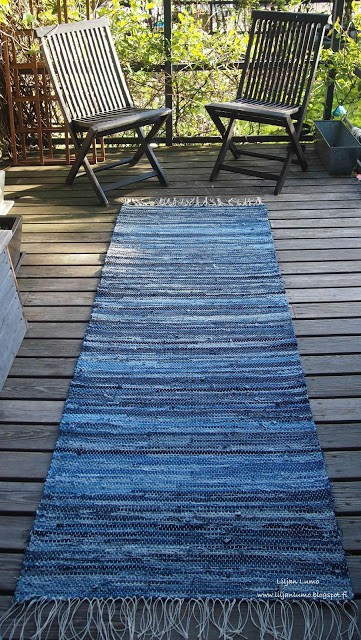 woven rug from old blue jeans