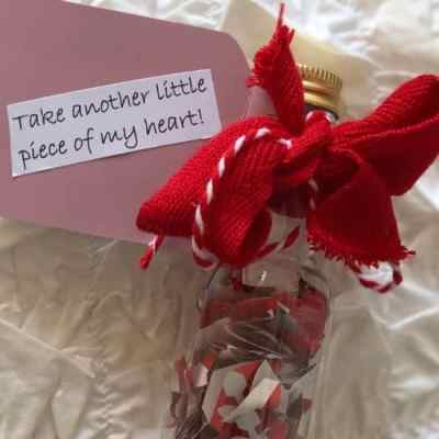 DIY Valentine's Day Gift from Upcycled Trash: A Token Gift
