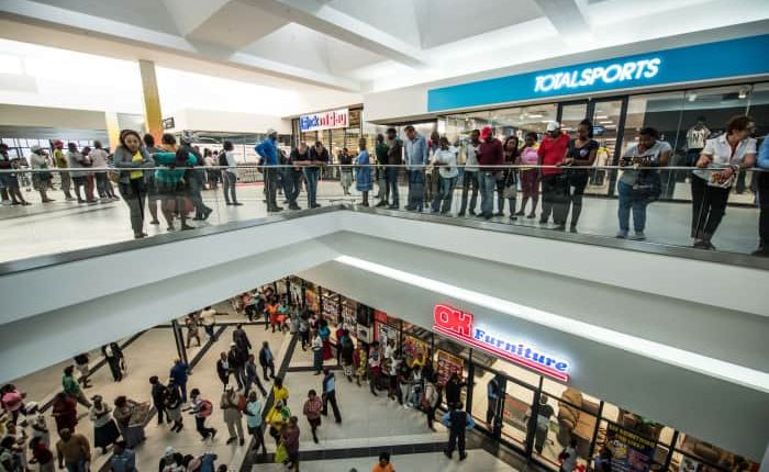 51-alex_mall_opening_day_ykgepl